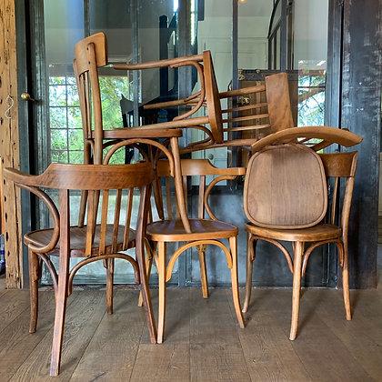 Set de 4 chaises bistrot .