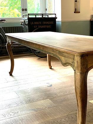 Grande table Style Louis XV en chêne brut