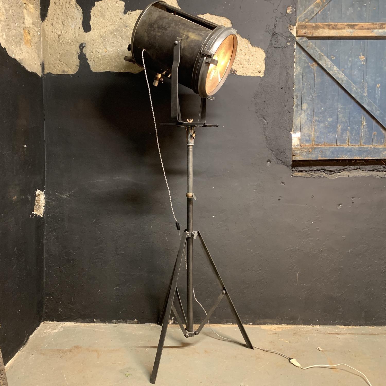 projecteur AE Cremer paris 5 k