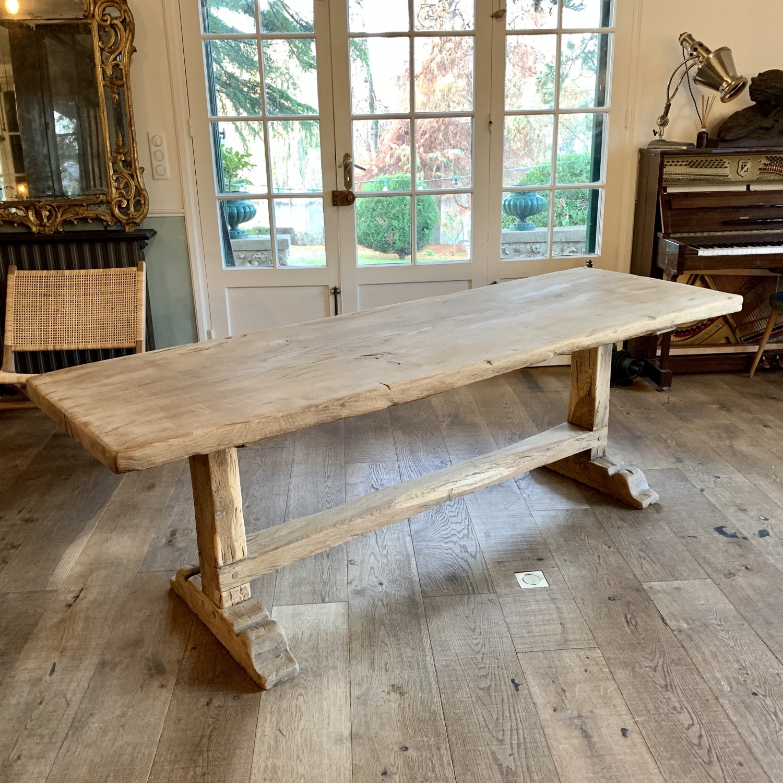 table de ferme monastère chêne