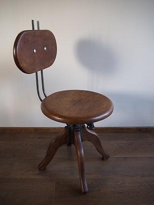 Chaise d'atelier 1940 certainement marque Japy