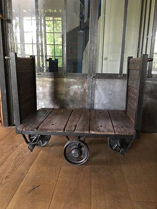 Ancien chariot de manutention 1950 SKF Holland