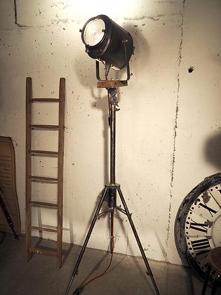 Projecteur Cremer, trépied crémaillère PYRAMID 1930