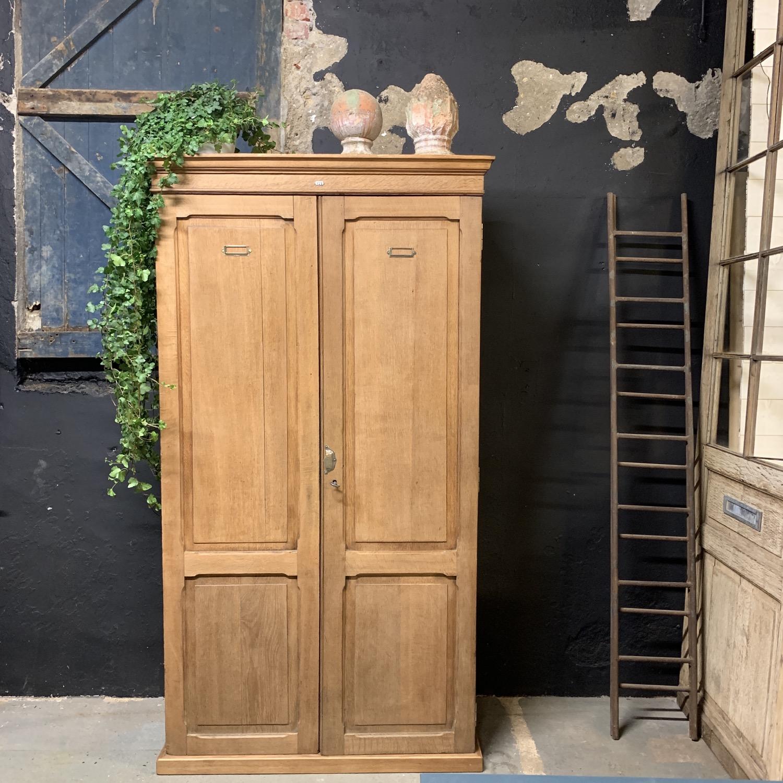 armoire en chêne 1910