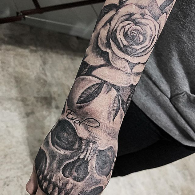 Loving these roses lately! Message me if