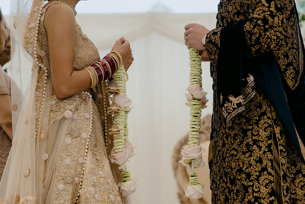 exchange of wedding garlands