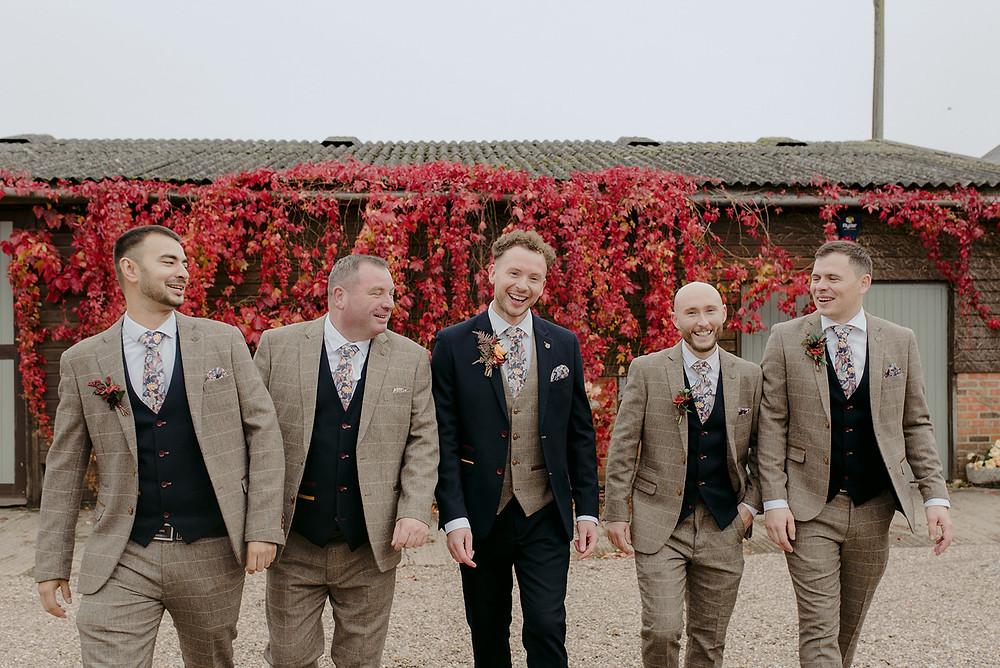 red ivy at wedding venue