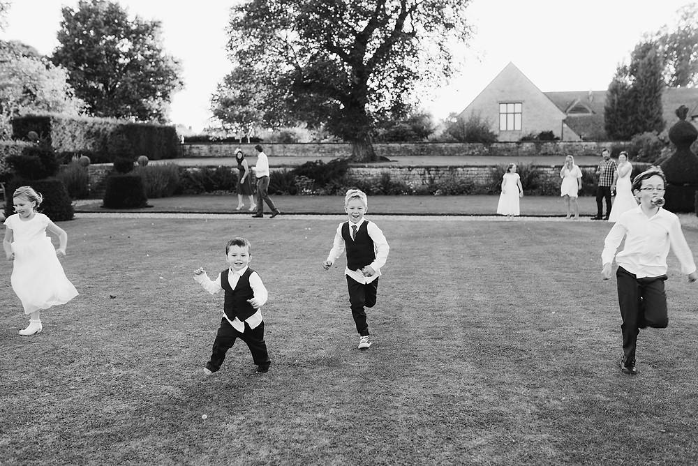 children running at wedding sulgrave manor