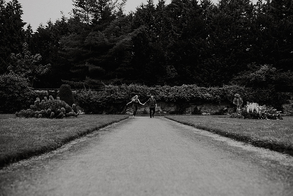 running couple relaxed wedding