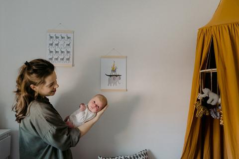 thea-filbey-documentary-newborn-photogra