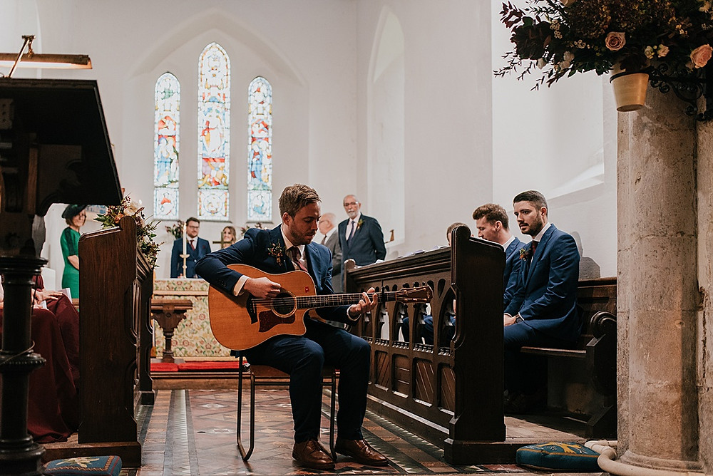acoustic guitar player at wedding in Wiltshire