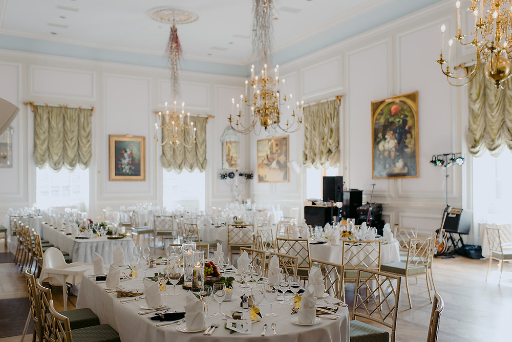 beautiful wedding breakfast decor regal and elegant