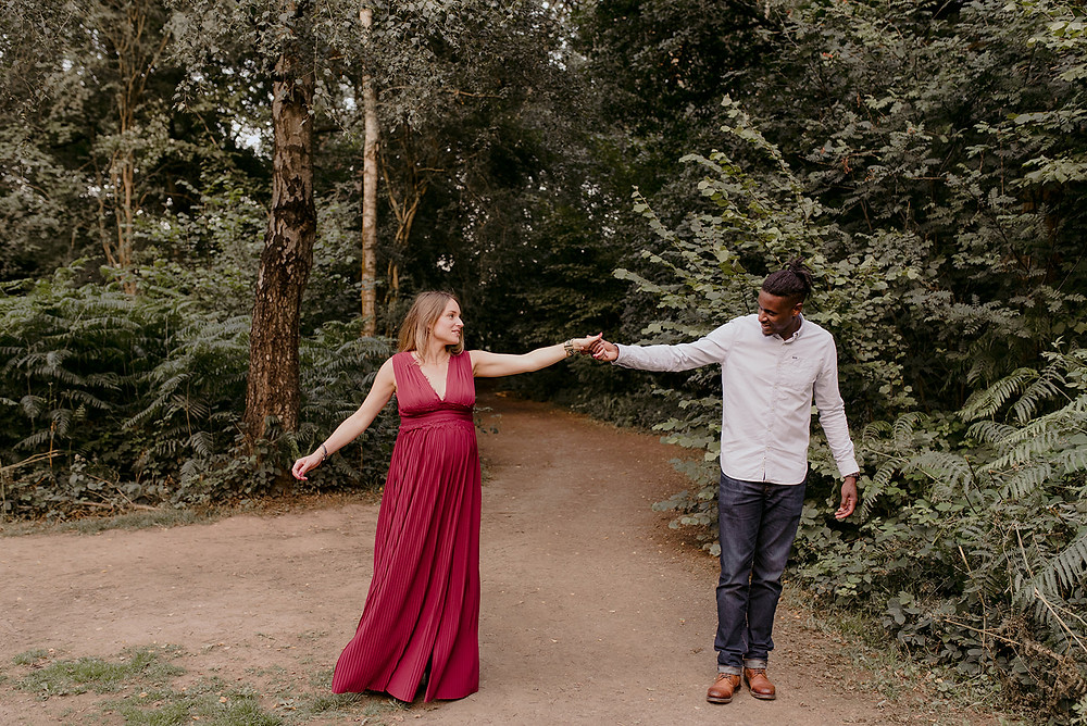 outdoor maternity photographer warwickshire