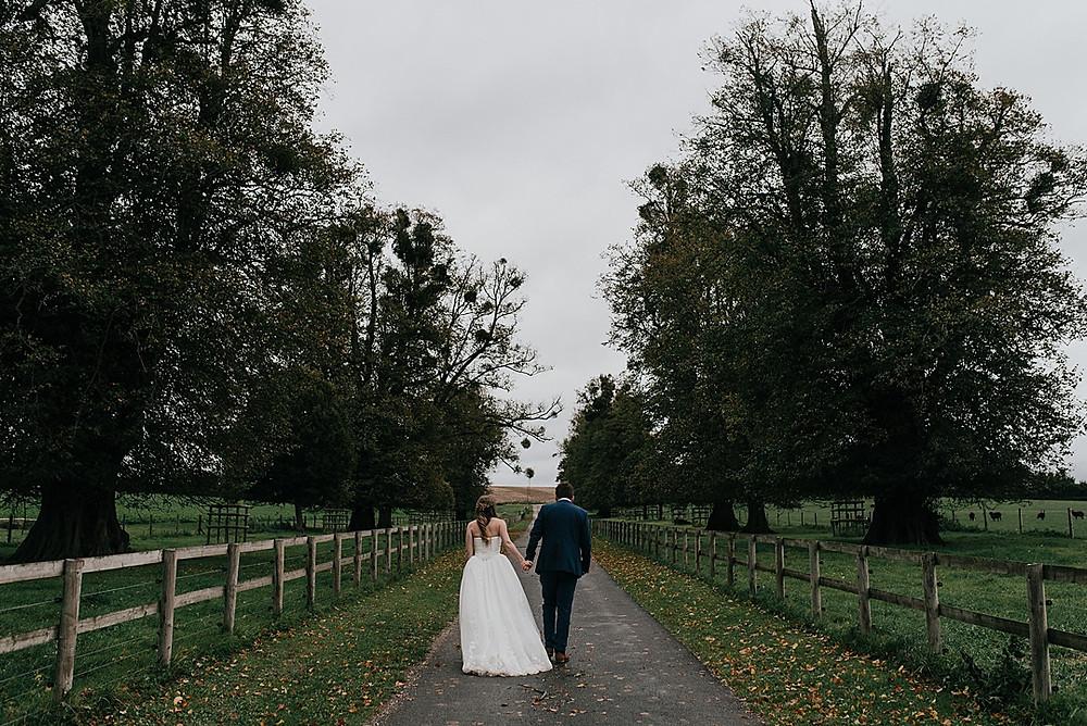 outdoor wedding photography Wiltshire