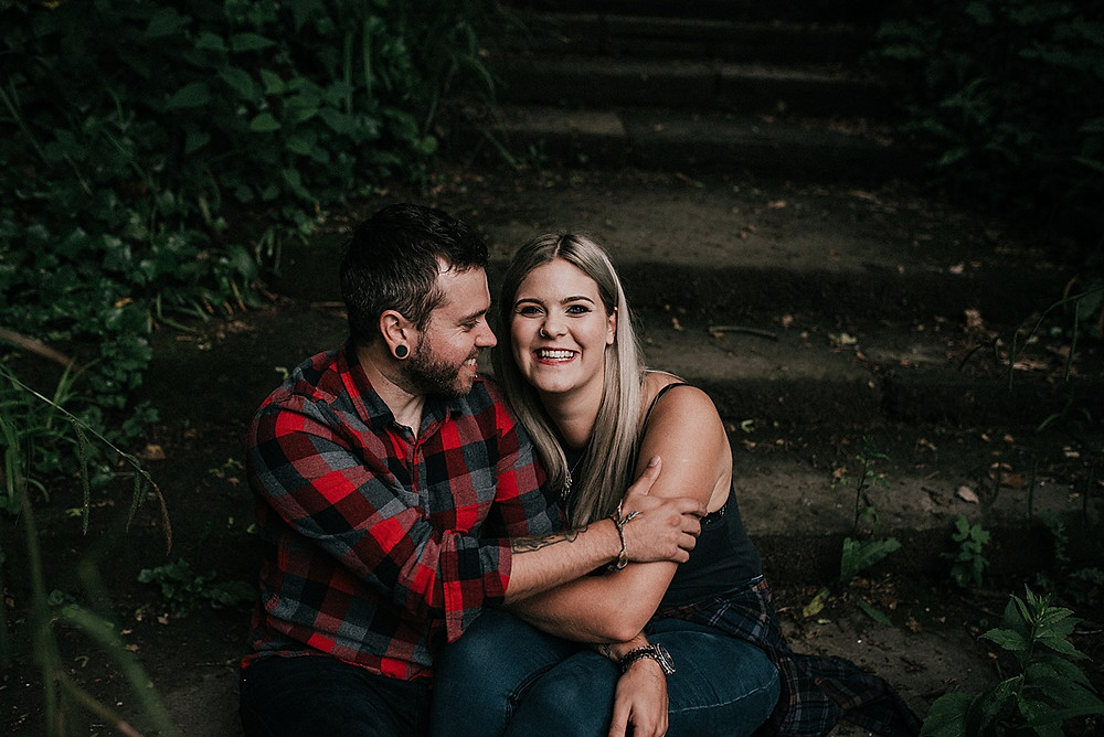 engagement photography for relaxed weddings