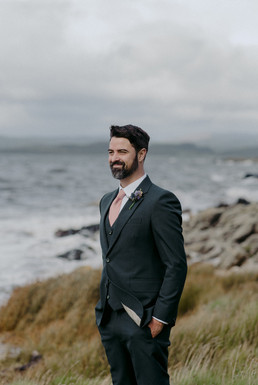groom with beard in Civan suit tailor made