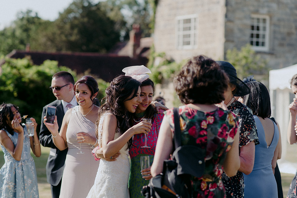 candid wedding photography outdoor reception