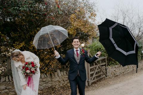emma-tom-wedding-notley-tythe-barn-470.j