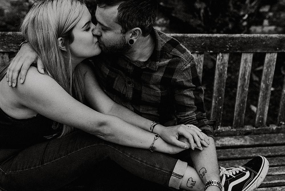 couple kissing newstead abbey