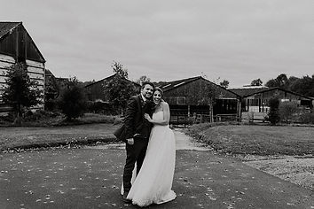 poppy-eddie-barford-park-barn-wedding-01