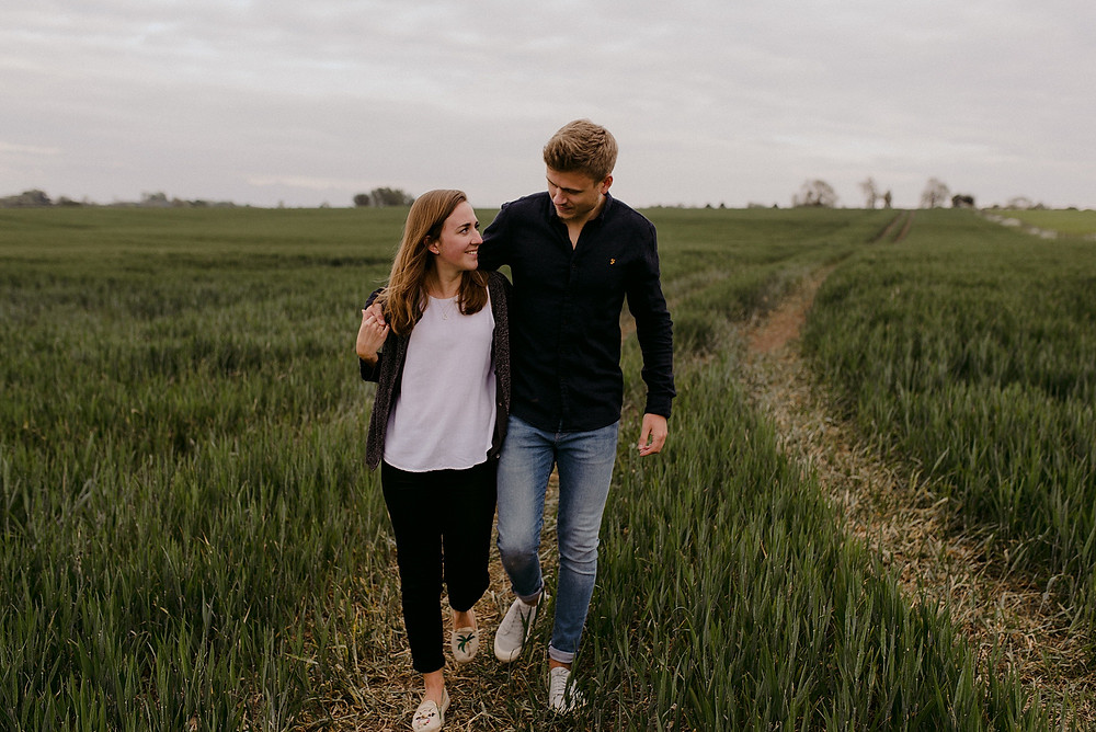 engagement photos in corn field