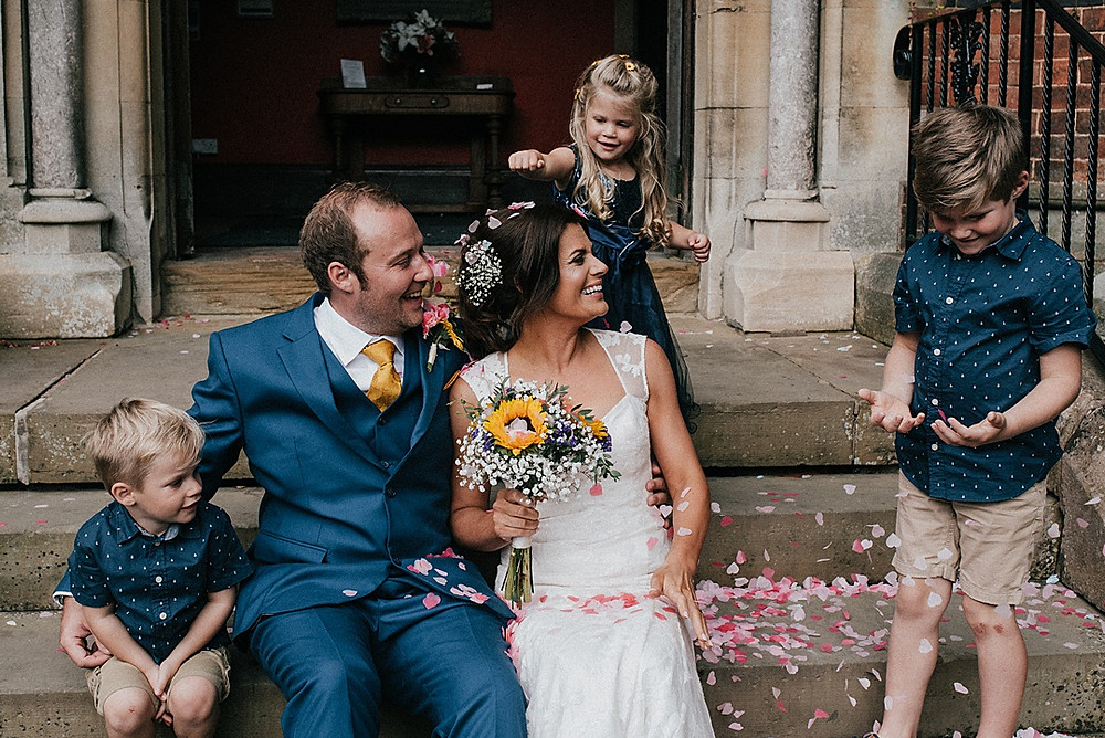 relaxed and natural wedding photography