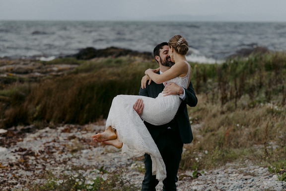 raw wedding photography rugged beach