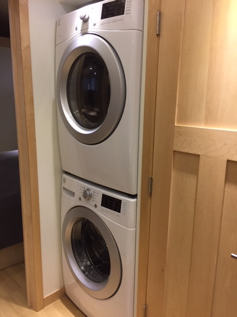 Full Size Laundry (HE Washer & Dryer)