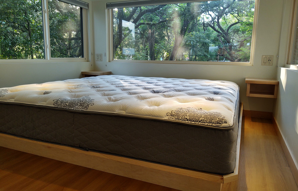 Upstairs King Bed with Nightstands