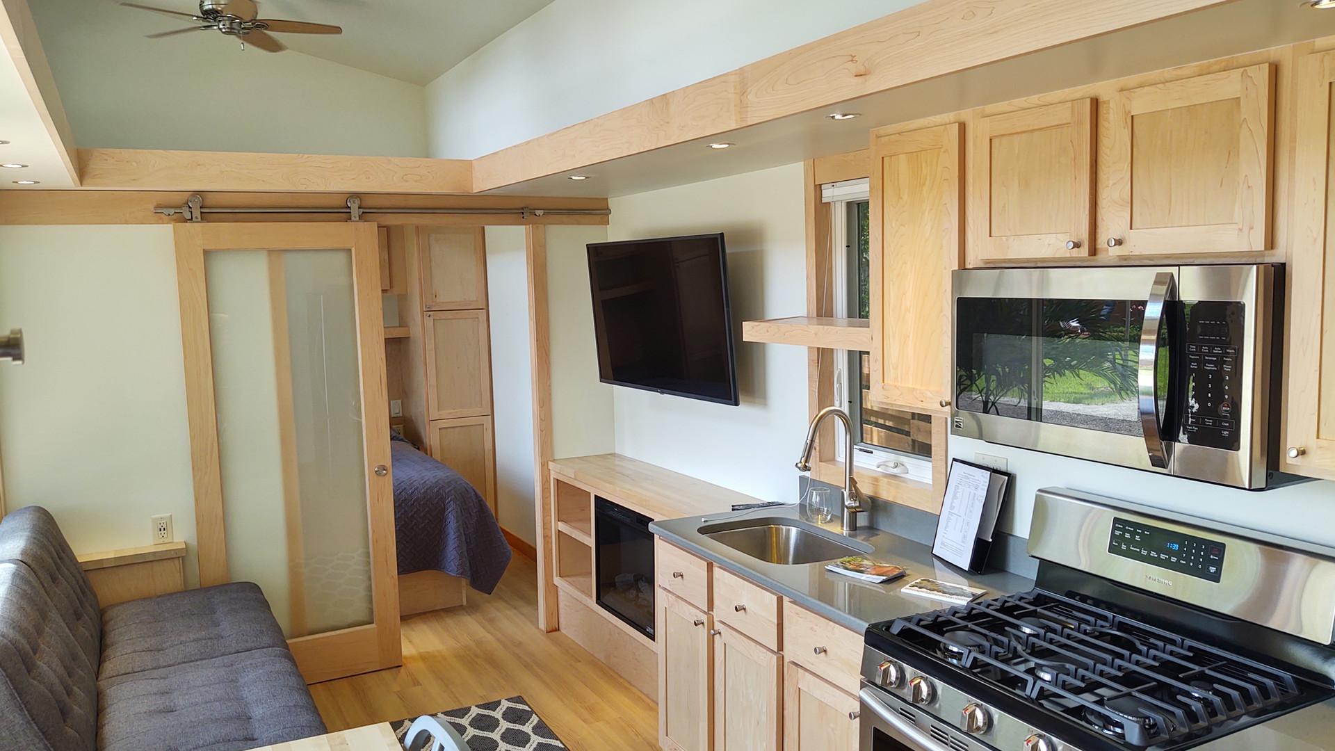 Smart TV + Fireplace