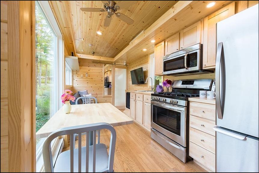 Traveler XL Kitchen