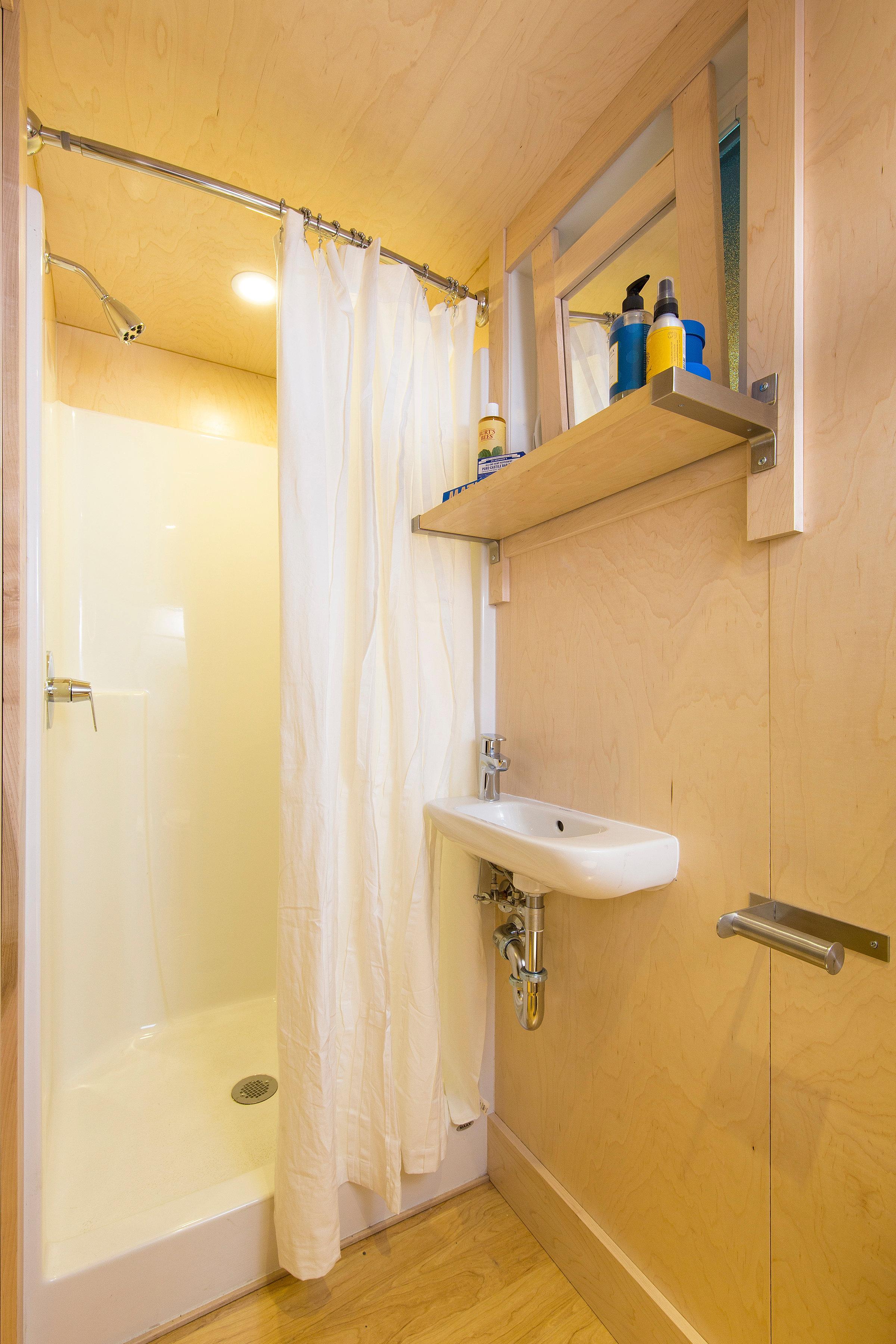 Solved Escape 3D The Bathroom Walkthrough. Contemporary Master Bathroom
