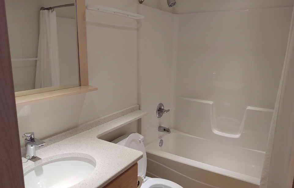 Second Bathroom with Tub/Shower