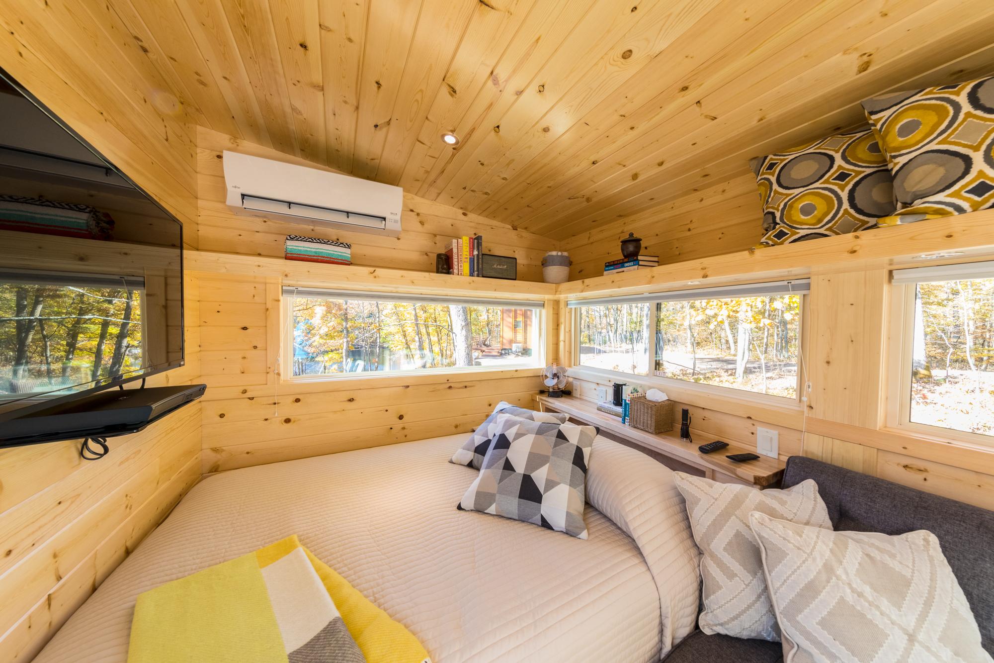 Queen Bed w/Smart TV in Boho