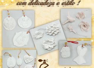 Gessos e cerâmicas.