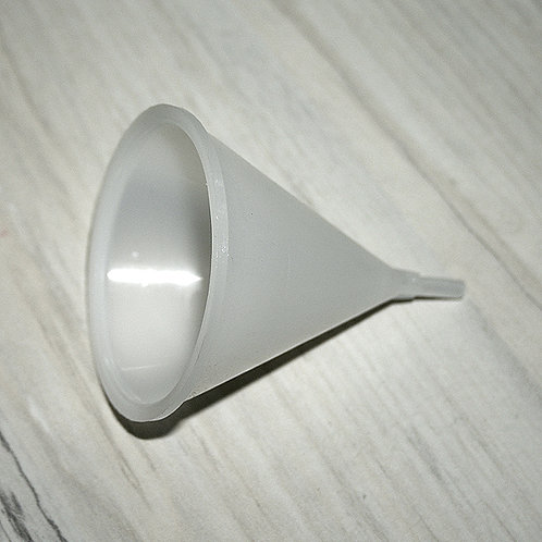 Funil em Plastico Fino- 200004