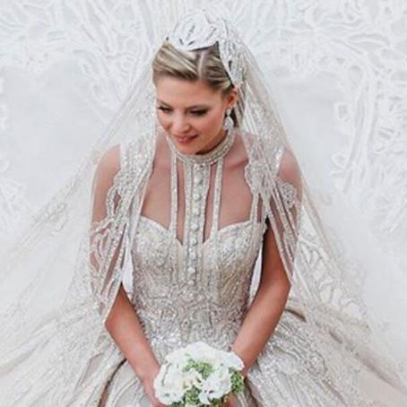 O Elie Saab δεν δημιούργησε ένα, αλλά τέσσερα απίστευτα γαμήλια φορέματα για τη νύφη του
