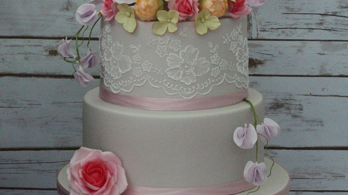 Three Day Wedding Cake Masterclass £395