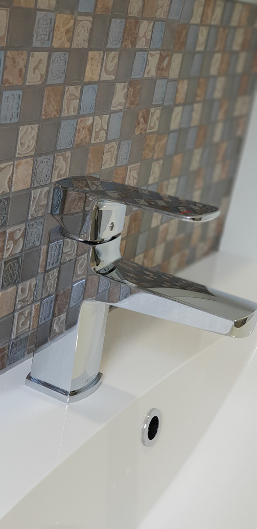 Classic tapware & tiled splash