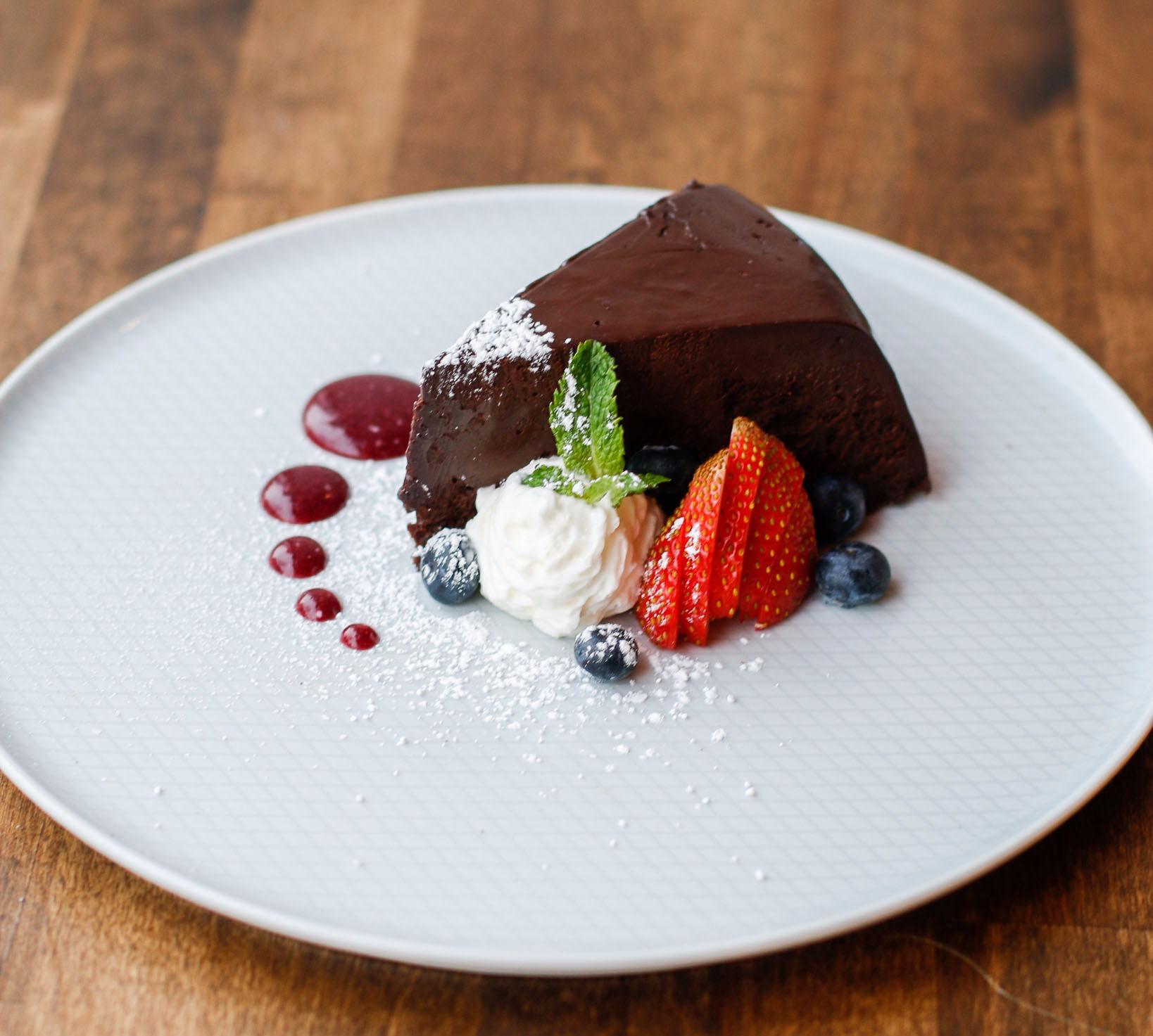 Flourless Chocolate Cake {GF}