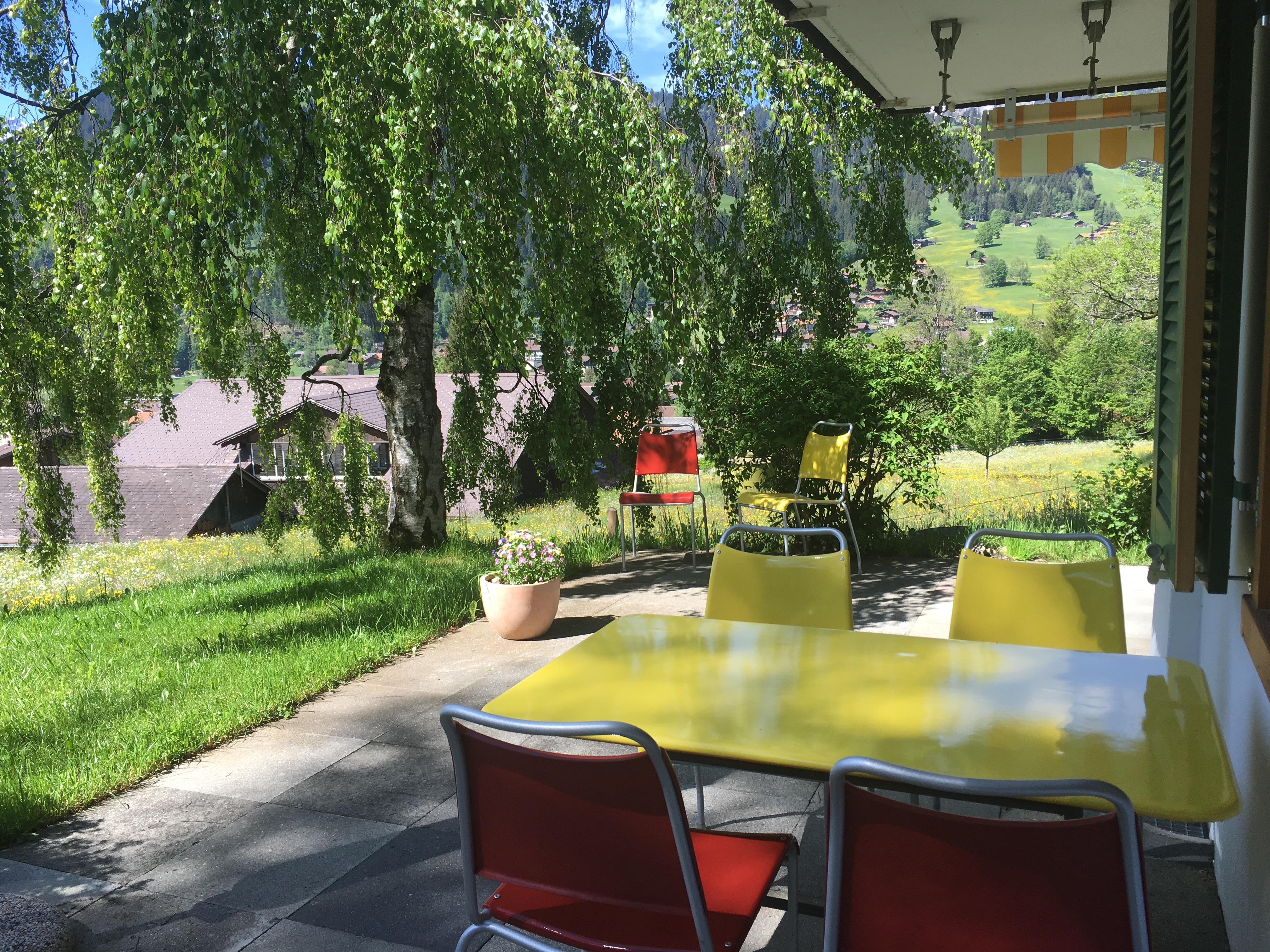 Sitzplatz zur Gartenwohnung