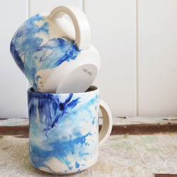 sets of marbled mugs