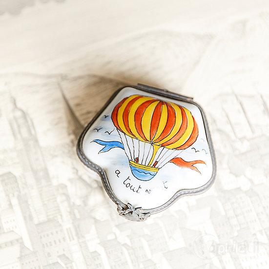 ヴィンテージの気球モティーフのピルケース