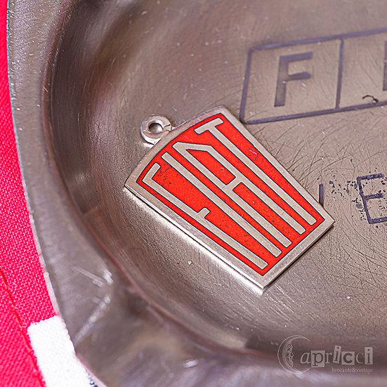 ヴィンテージのFIATのシルバーペンダントヘッド