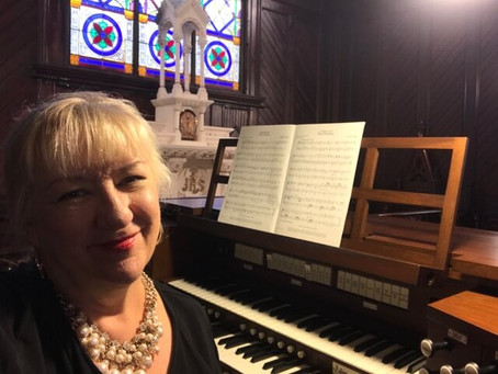 Meet our Organist and Music Director!