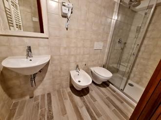 bagno singola1.jpg