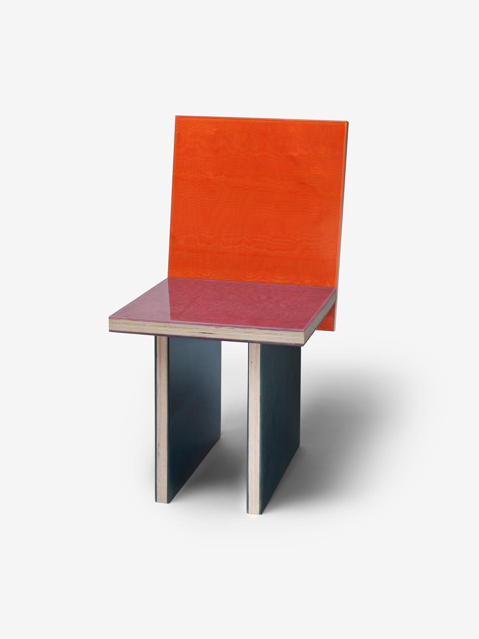 Moire chair 4-01