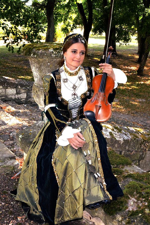 Renaissance costume, handemade, idées d'animation musicale, corporate, haut de gamme couture, violoniste, medieval
