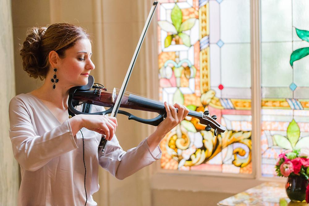 Violoniste Mariage Paris cérémonie Shangri La Palace Hotel Violon Electrique Yamaha Organiser son mariage musicienne classique