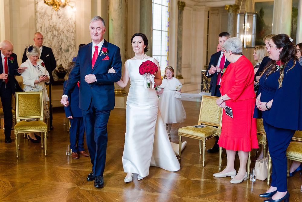 Mariée , entrée de la mariée, shangri la palace, elopement, paris , petit mariage, musique mariage